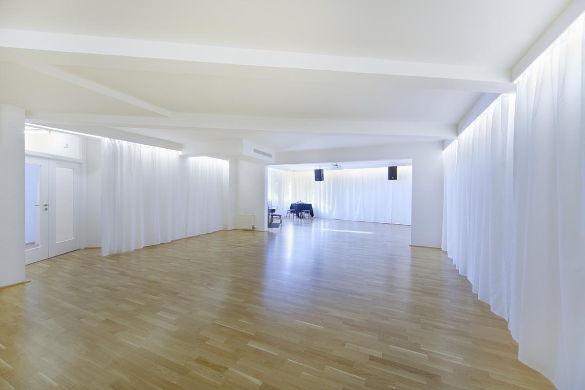 Třívrstvá dřevěná podlaha - taneční studio