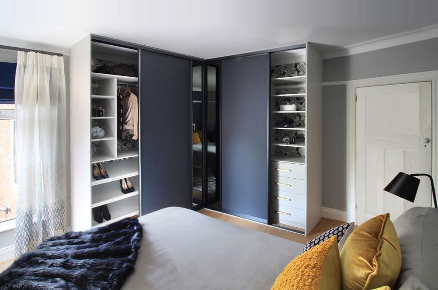 vestavěná skříň ve tvaru L
